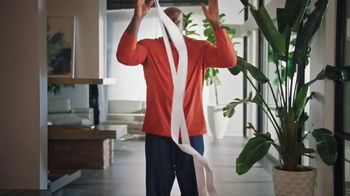 Epson RapidReceipt Scanner TV Spot, 'Lost Remote' Featuring Shaquille O'Neal - Thumbnail 1