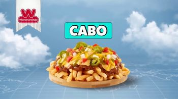 Wienerschnitzel Chili Cheese Fries TV Spot, 'Chili Cheese Fries de alrededor del mundo' [Spanish] - Thumbnail 3