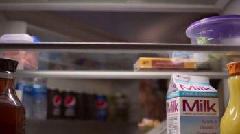 Pepsi Zero Sugar TV Spot, 'Better With Pepsi: Fried Chicken' - Thumbnail 2