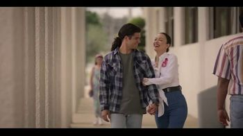 Netflix TV Spot, 'Selena' Song by Selena - Thumbnail 4