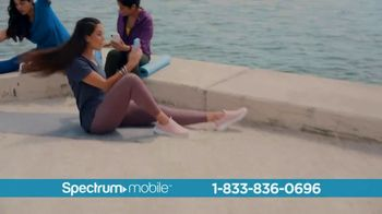 Spectrum Mobile TV Spot, 'Ahorra hasta 40%: plan de datos ilimitados: $45 dólares' con Ozuna [Spanish] - Thumbnail 3