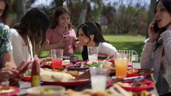 XFINITY Mobile TV Spot, 'Los Garcías' con Becky G [Spanish] - Thumbnail 6