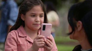 XFINITY Mobile TV Spot, 'Los Garcías' con Becky G [Spanish] - Thumbnail 7