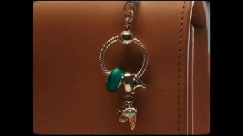 Pandora Moments Charm Holders TV Spot, 'It's Your Story, Wear It Your Way' Song by The Smocks - Thumbnail 7
