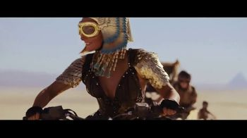 Amazon Prime TV Spot, 'Cleopatra Has a Change of Heart' Song by Sniff 'N' Tears - Thumbnail 8