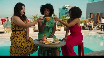 Hotwire TV Spot, 'Book Beyond Your Wildest Means: Rooftop' - Thumbnail 6