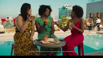 Hotwire TV Spot, 'Book Beyond Your Wildest Means: Rooftop' - Thumbnail 8