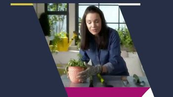 XFINITY TV Spot, 'HSN and QVC: Discover Where Shopping Comes Alive' - Thumbnail 3