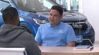 Honda TV Spot, 'Momento de ayuda: sorpresa en el Dealership' [Spanish] [T2] - Thumbnail 3