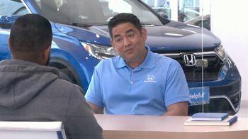 Honda TV Spot, 'Momento de ayuda: sorpresa en el Dealership' [Spanish] [T2] - Thumbnail 5