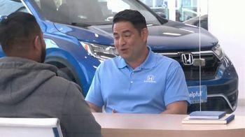 Honda TV Spot, 'Momento de ayuda: sorpresa en el Dealership' [Spanish] [T2] - Thumbnail 6