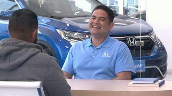 Honda TV Spot, 'Momento de ayuda: sorpresa en el Dealership' [Spanish] [T2] - Thumbnail 7