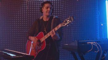 M&M's Classic Mix TV Spot, 'Premios Juventud: productor musical' con DJ Cruz [Spanish] - Thumbnail 5