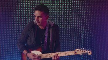 M&M's Classic Mix TV Spot, 'Premios Juventud: productor musical' con DJ Cruz [Spanish] - Thumbnail 8