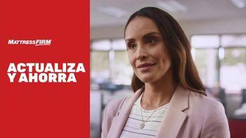 Mattress Firm Venta Actualiza y Ahorra TV Spot, 'Base ajustable gratis' [Spanish] - Thumbnail 2