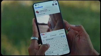 Facebook TV Spot, 'Longboard Family Facebook Group' Song by Brent Faiyaz - Thumbnail 4