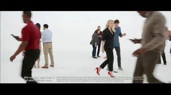 Verizon TV Spot, 'Biggest Upgrade Ever: Up to $800' Featuring Kate McKinnon - Thumbnail 8