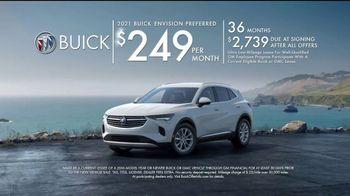 2021 Buick Envision TV Spot, 'Quadruple Take: Blind Spots' Song by Matt and Kim [T2] - Thumbnail 10