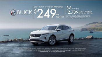 2021 Buick Envision TV Spot, 'Quadruple Take: Blind Spots' Song by Matt and Kim [T2] - Thumbnail 8