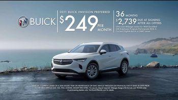 2021 Buick Envision TV Spot, 'Quadruple Take: Blind Spots' Song by Matt and Kim [T2] - Thumbnail 9
