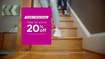 Kohl's Friends + Family Savings TV Spot, 'Cool, Comfortable Styles: 20% and Kohl's Cash ' Song by Oh, Hush! - Thumbnail 8