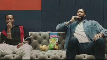 Ruffles Lime & Jalapeño TV Spot, 'Without Ridges: Coach' Featuring Anthony Davis, King Bach - Thumbnail 10