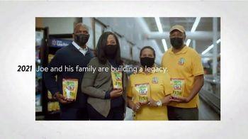 Walmart TV Spot, 'Joe Makes History' Song by The Reverend Shawn Amos - Thumbnail 7