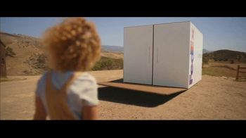 FedEx TV Spot, 'Delivering for Earth' Featuring Willie Nelson - Thumbnail 6