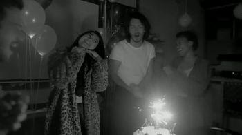 White Claw Hard Seltzer TV Spot, 'Roller Girl/Light Ball/House Party' - Thumbnail 9