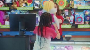 Chuck E. Cheese's TV Spot, 'It's Time for the Summer of Fun' - Thumbnail 5