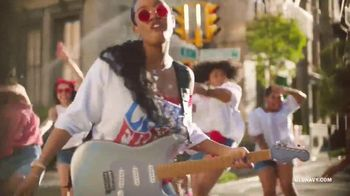 Old Navy TV Spot, 'Freedom' Featuring H.E.R. - Thumbnail 10