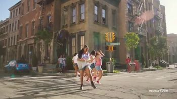 Old Navy TV Spot, 'Freedom' Featuring H.E.R. - Thumbnail 7