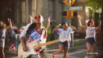 Old Navy TV Spot, 'Freedom' Featuring H.E.R. - Thumbnail 8