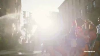 Old Navy TV Spot, 'Freedom' Featuring H.E.R. - Thumbnail 9