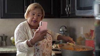 T-Mobile TV Spot, 'Netflix on Us: Drama' con LeJuan James  [Spanish] - Thumbnail 2