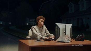 Mattress Firm TV Spot, 'Junk Sleep: Kate' Featuring Liev Schreiber - Thumbnail 3