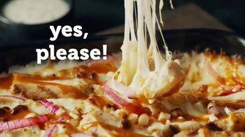 Marco's Pizza The Buffalo Chicken TV Spot, 'Buffal-OMG' - Thumbnail 7