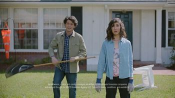 GEICO TV Spot, 'Close to the Airport' - Thumbnail 5