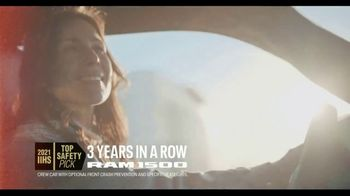 Ram Trucks Fourth of July Sales Event TV Spot, 'Best Part' Song by Foo Fighters [T2] - Thumbnail 4