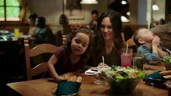 Olive Garden TV Spot, 'When You're Ready' Song by Selena Gomez - Thumbnail 9