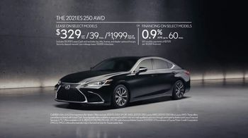 2021 Lexus ES TV Spot, 'Bananas' Song by The Melody Aces [T2] - Thumbnail 9