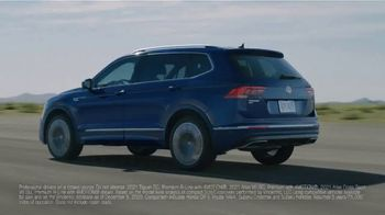 Volkswagen Sign Then Drive Event TV Spot, 'Usual Suspects' [T2] - Thumbnail 1