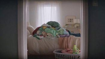 Gain Liquid Fabric Softener TV Spot, 'Say Hello To Soft Scenty Bliss' - Thumbnail 6