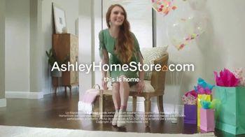 Ashley HomeStore Spring Semi-Annual Sale TV Spot, '0% intereses' [Spanish] - Thumbnail 8