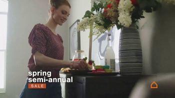 Ashley HomeStore Spring Semi-Annual Sale TV Spot, '0% intereses' [Spanish] - Thumbnail 2