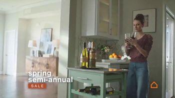 Ashley HomeStore Spring Semi-Annual Sale TV Spot, '0% intereses' [Spanish] - Thumbnail 3