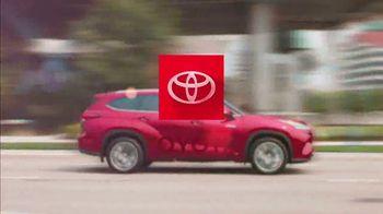 Toyota Highlander Hybrid TV Spot, 'Dear Power: Highlander' [T1] - Thumbnail 10
