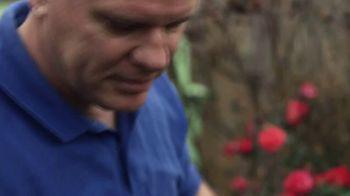 Miracle-Gro TV Spot, 'Miracle-Gro Makes It Possible: Soil' - Thumbnail 7
