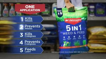 BioAdvanced 5 In 1 Weed & Feed TV Spot, 'Overwhelmed' - Thumbnail 4