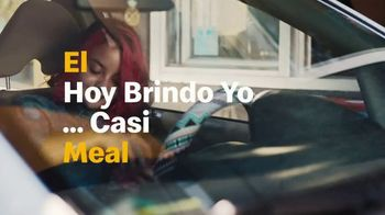 McDonald's $1 $2 $3 Menu TV Spot, 'El hoy brindo yo meal... casi' [Spanish] - Thumbnail 4